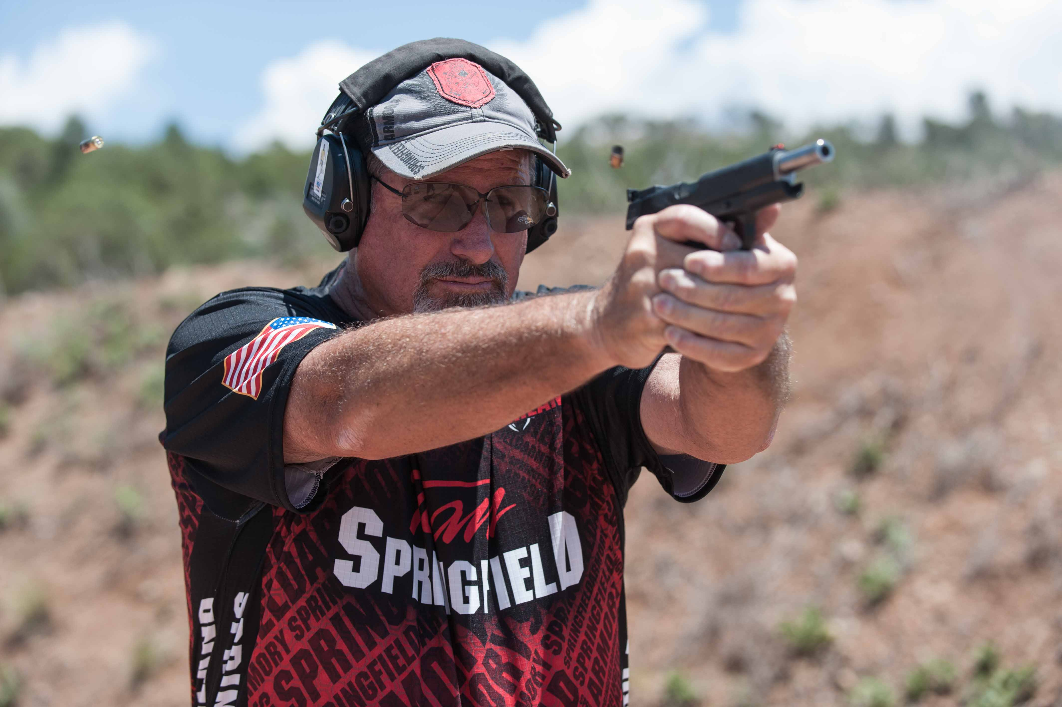 Rob shooting RO Elite Target model_JSP0641.jpg