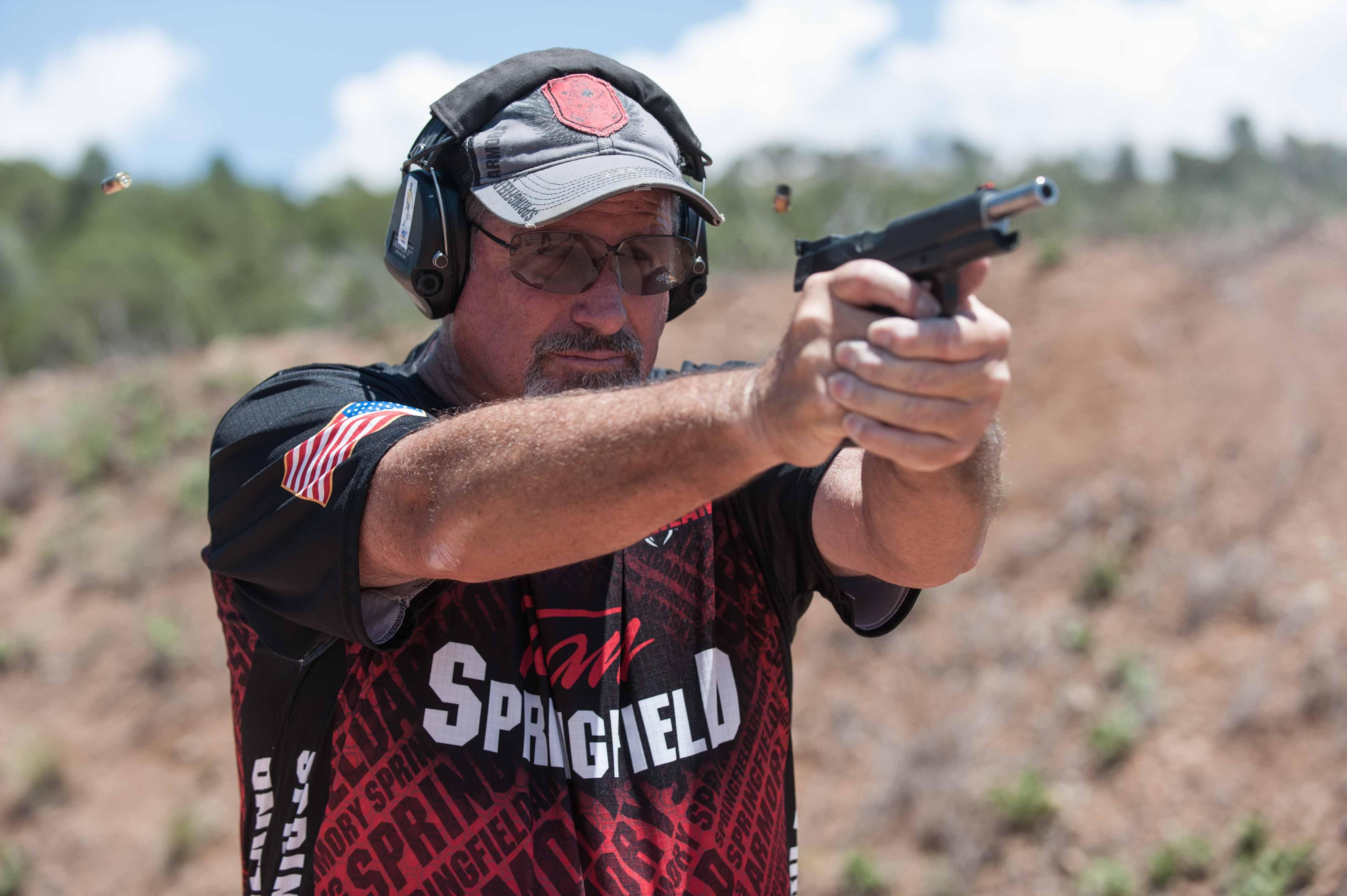 Rob shooting RO Elite Target model_JSP0641.jpg